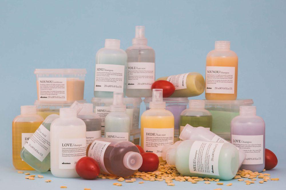""""""" Davines - Essential Haircare"""" 9 famiglie con funzioni specifiche e ingredienti naturali da presidi Slow Food."""